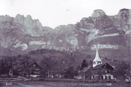 Sax: Links Haus Thomas; Rechts: Haus Allensbach
