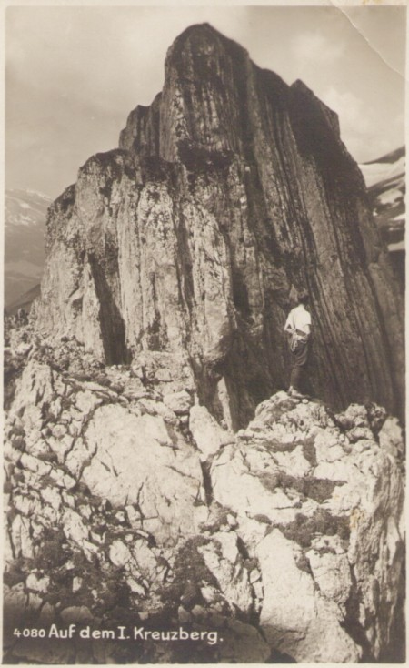 Auf dem ersten Kreuzberg um das Jahr 1920, mit Blick zum zweiten Kreuzberg. Fotograf: Hans Gross (1889-1942), St. Gallen, Nr. 4080