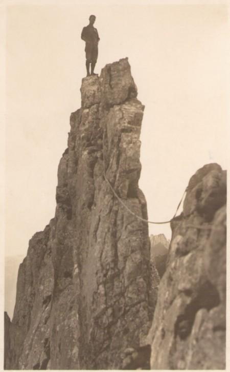 Auf dem Grat des ersten Kreuzberges um das Jahr 1920. Fotograf: Jean Gaberell (1887-1949), Thalwil, Nr. 5160