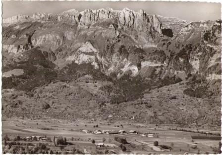 Sax mit den Kreuzbergen um das Jahr 1940