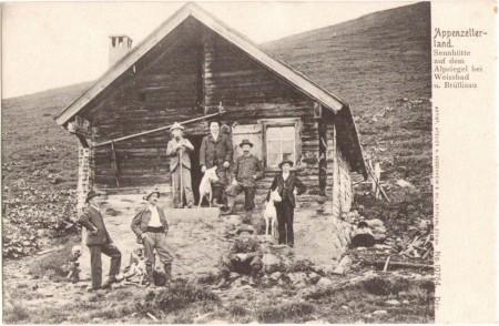 Sennhütte auf dem Alpsiegel bei Weissbad um 1900. Aufnahme und Verlag von H. Guggenheim, Zürich, Nr. 10764
