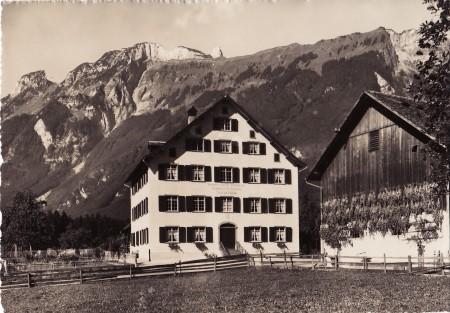 Sennwald Foto Gross, St. Gallen, Nr. 23712 _RU
